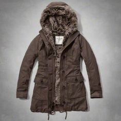 Womens Twill Faux-Fur Lined Parka