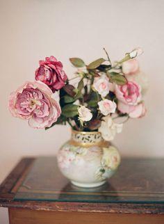 pink floral arrangement roses