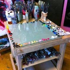 "Angie Jones Art - Studio Images - Artist Studio: Enter the colorful artist studio of Angie Jones. ""Angie's studio, work, and livi - # Home Art Studios, Art Studio At Home, Artist Studios, Art Studio Decor, Art Studio Room, Studio Studio, Art Studio Design, Design Art, Design Ideas"