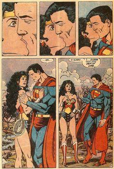 Wonder Woman's expression is priceless. // Las comparativas frente a la nueva portada de JLA..