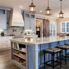33 impressive farmhouse kitchen decorating ideas for you 00008 ~ Gorgeous House Modern Farmhouse Kitchens, Home Kitchens, Dream Kitchens, Small Kitchens, Country Farmhouse, Kitchen Modern, Eclectic Kitchen, Beautiful Kitchens, Farmhouse Decor