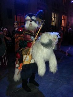 Sir Didymus and Ambrosius from Labyrinth. Halloween Party Decor, Spooky Halloween, Halloween Costumes, Halloween Stuff, Halloween Ideas, Sarah Labyrinth, Labyrinth Movie, Amazing Cosplay, Best Cosplay