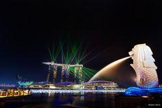 https://flic.kr/p/wcjZ5o   Populer Spot - 人気スポット   異国に行ったら人気スポットは必ず訪れておきたいですね。  CANON EOS 7D + EF-S10-22mm F3.5-4.5 USM  #singapore #marinabay #architecture #marinabaysands #merlion #シンガポール