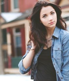 Uploaded by Emily. Find images and videos about emily rudd on We Heart It - the app to get lost in what you love. Pretty People, Beautiful People, Beautiful Women, Chica Cool, Female Character Inspiration, Wattpad, Tips Belleza, The Girl Who, Female Characters