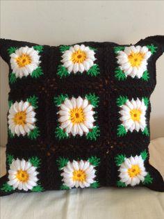 Crochet Cushion Pattern, Crochet Pillow Cases, Crochet Cushion Cover, Crochet Cushions, Easy Crochet Patterns, Crochet Designs, Crochet Art, Crochet Home, Crochet Crafts