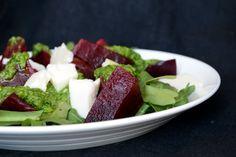 Салат с печёной свёклой и сыром фета
