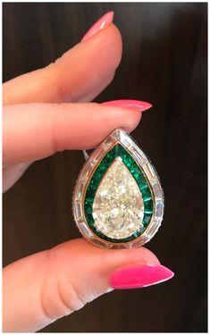 Vintage Diamond Rings, Vintage Rings, Vintage Jewelry, Emerald Jewelry, Gemstone Jewelry, Diamond Jewellery, Jewelry Box, Diamond Tops, Contemporary Jewellery
