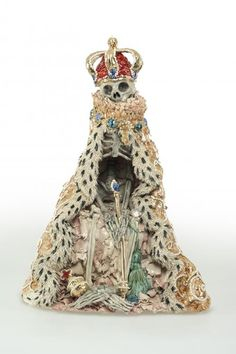 Carolein Smit, Le Dauphin, 2012, Ceramics, 66 cm (photo: Winnifred Limburg) © Copyright the artist / Flatland Gallery
