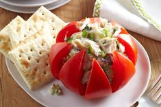 Festive Tuna-Stuffed Tomatoes -- This healthy living recipe is sure to make any get-together a party! Plus, it's ready for the dinner table in just 15 minutes flat. (meal ideas for dinner) Healthy Living Recipes, Healthy Snacks, Healthy Eating, Healthy Tuna, Tuna Stuffed Tomatoes, Tomato Dishes, Dinner On A Budget, Kraft Recipes, Food Presentation