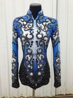 i have seen this jacket in person and it is even more beautiful than the in pic. love it!