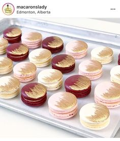 Gold Wedding Cakes Burgundy, pink and gold! Gold Dessert Table, Dessert Bars, Pink Desserts, Wedding Desserts, Wedding Cakes, Burgundy Baby Shower, Burgundy Wedding Cake, Gold Wedding, Macarons