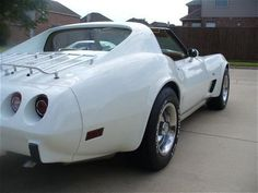 Join the Corvette forums at Super Chevy Magazine to discuss your favorite Corvette topics, technical issues, latest car shows, and more. 1977 Corvette, Old Corvette, Classic Corvette, Chevrolet Corvette, Corvette Summer, Us Cars, Sport Cars, American Dream Cars, Super Chevy Magazine