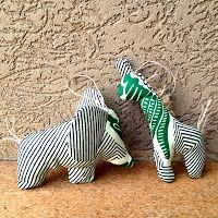 anne b // African Fabric Christmas Ornaments Giraffe Stuffed Animal, Fabric Christmas Ornaments, Fabric Animals, Kids Toys, Children's Toys, African Fabric, Arts And Crafts, Pets, Pattern