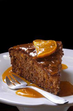 Gateau a la clementine Poke Cakes, Lava Cakes, Cupcake Cakes, Cupcakes, Patisserie Design, Brownies, Delicious Desserts, Dessert Recipes, Gourmet