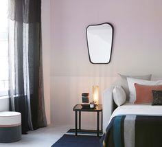 Papier peint rose effet tie and dye dans la chambre. Papier peint Sarah Lavoine x Nobilis
