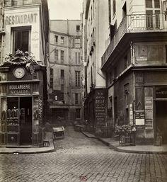 Impasse Saint Claude, de la rue Saint Sauveur 1868 (fot. Charles Marville)
