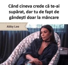 29 Big Booty Kim Kardashian Memes That Will Wet Your Pants Makeup Quotes Funny, Makeup Humor, Funny Quotes, Funny Memes, Hilarious, Fat Memes, It's Funny, Memes Kardashian, Kylie Kardashian
