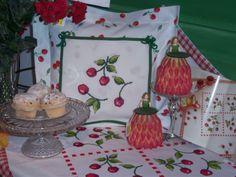 Kirschen in Kreuzstich  Design : Gerlinde Gebert Shop: www.gebert-handarbeiten.de
