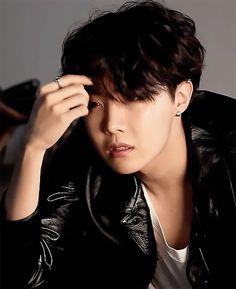 Yoongi: If you want my help that badly, you need to give me something in return. Hoseok: That's why they call me Master. Jung Hoseok, Seokjin, Namjoon, Yoongi Bts, Bts Jimin, Jhope Gif, Jhope Cute, J Hope Dance, Rap Lines