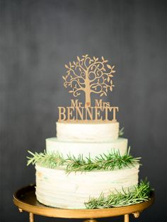 Wooden cake topper Mr Mrs Rustic Cake Topper by WeddingRusticDeco