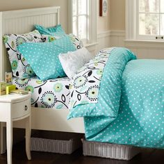 Whether your style is simple or bold, Pottery Barn Teen's girls duvet covers will let your personality show. Find bold colored and printed duvet covers for twin, full, queen and king beds. Dream Rooms, Dream Bedroom, Girls Bedroom, Bedroom Decor, Bedroom Ideas, Pb Teen Bedrooms, Bedroom Stuff, Bedroom Designs, Cute Bedspreads