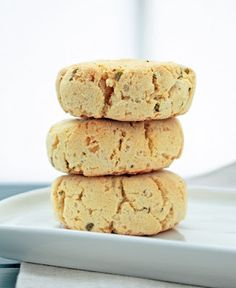 These low carb & gluten free cheesy herb biscuits taste just like the real thing & make the perfect little sandwich roll or side to soup or a bowl of chili! Low Carb Bread, Low Carb Keto, Keto Bread, Gluten Free Recipes, Low Carb Recipes, Diabetic Recipes, Yummy Recipes, Healthy Recipes, Gluten Free Biscuits