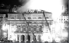 1964 Incendio Teatro D. Maria II (2 Dez) Find Hotels, Old City, Historical Photos, Portuguese, Old Photos, Louvre, Black And White, Pictures, Mac