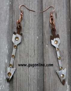 Shop now at www.gugonline.com and use the discount code GUGREPKCAR for 10% off your entire purchase! Metal Arrow Earrings in Ivory $14.95
