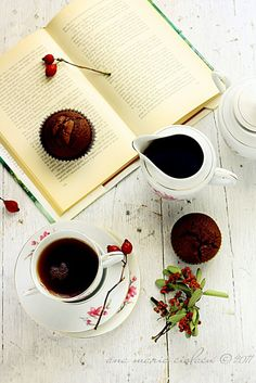 Just Loves Cookin': Muffins and coffee mocha and dark chocolate [Romanian]