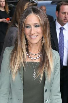 Sarah Jessica Parker's brunette ombre hair color