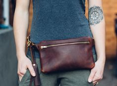zipper festival fanny pack // full-grain brown kodiak leather + solid brass hardware / worn as hip bag, fanny pack, shoulder and cross-body