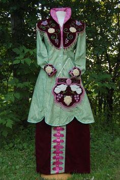 Front of traditional Haudenosaunee woman's regalia