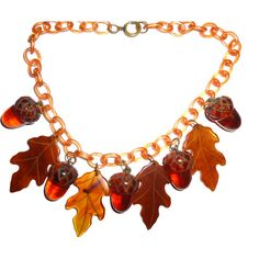 Vintage Bakelite Necklace. Acorns and Leaves. All Original on... (34855 RSD) ❤ liked on Polyvore featuring jewelry, necklaces, leaf jewelry, brown necklace, brown jewelry, leaves necklace and chain jewelry