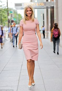 All-around: The businesswoman finished off her look with pale heels and a white…Ivanka Trump Ivanka Trump Outfits, Ivanka Trump Photos, Ivanka Trump Style, Ivanka Trump Dress, Ivanka Trump Clothing Line, Business Fashion, Business Women, Look Office, Star Fashion