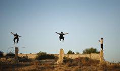 JOVENS PALESTINOS PRATICAM PARKOUR NA FAIXA DE GAZA | Mundo MS