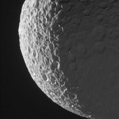 Fabulous new images of Saturn's moons Mimas and Epimetheus from @CassiniSaturn taken 1/30/17