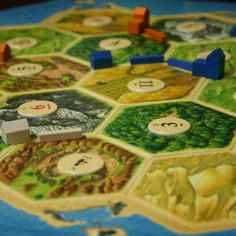 The 10 Essential Gateway Boardgames for Converting Non-Gamers