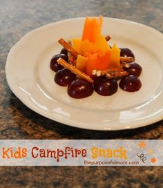 Kid Friendly Foods: Campfire Snack - The Purposeful Mom Could be used for Shadrach, Meshach, and Abednego in the Fiery Furnace by adding 3 Teddy Grahams for men