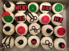 CrossFit birthday cupcakes by yuMM