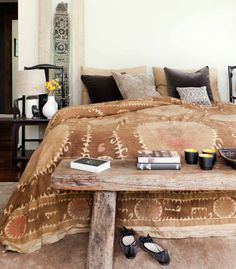 Rustic wood bench for end of bed. Interesting textiles for bed with global feel. Le Living, Living Room, African Interior, Decoration Bedroom, Diy Decoration, Home Goods Decor, Home Decor, Home Bedroom, Bedroom Ideas