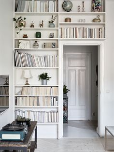 Darling historic apartment that will keep you dreaming - Daily Dream Decor