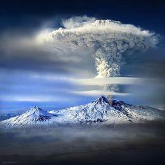 Volcan en éruption, Mont Ararat, Turquie