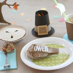 Thanksgiving Kid Table Crafts {Thanksgiving for Kids}