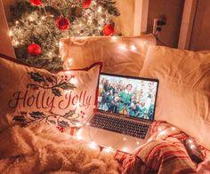 VSCO – laurendrez – l e t i t s n o w – Christmas Cosy Christmas, Christmas Feeling, Christmas Bedroom, Merry Little Christmas, Christmas Photos, All Things Christmas, Christmas Time, Xmas, Christmas Porch