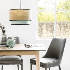 Lombok lámpara de techo verde / Un toque de luz y estilo  Lombok, una bonita lámpara de techo con pantalla doble, la grande de rafia natural con ribete en negro y la pequeña, verde con ribete en negro. Perfecta para aportar un toque de calidez y estilo a tus estancias.  *Bombilla no incluida (E27) Lombok, Floor Chair, Dining Chairs, Flooring, Furniture, Grande, Home Decor, Natural, Ideas