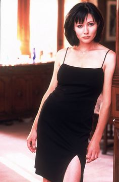 Shannen Doherty ✾ as Prue Halliwell Alyssa Milano Hair, Alyssa Milano Charmed, Serie Charmed, Charmed Tv Show, Holly Marie Combs, Rose Mcgowan, Shannen Doherty Charmed, Charmed Season 1, Charmed Sisters