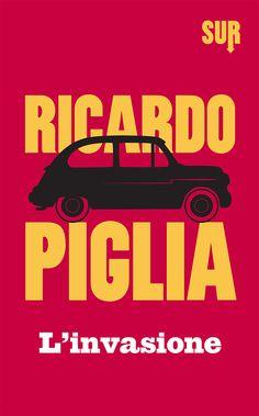 Pubblicato nel 1967, e finora inedito in Italia, «L'invasione» è il primo libro di Ricardo Piglia: quindici racconti perfetti, in cui si delinea con sorprendente maturità tutto il mondo letterario dell'autore. Il lettore vi ritroverà le sue tipiche ossessioni per l'uso del linguaggio e un'estrema attenzione all'architettura narrativa: un personalissimo sguardo, obliquo e disincantato, sulla storia e la contemporaneità argentina.