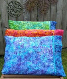 decorative pillow case tutorial - Learn how to make beautiful, decorative finished pillow cases with flare in this tutorial from quilter, Heidi Lund.