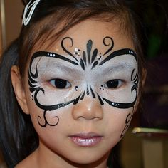 Black and White Princess Mask. - Black and White Princess Mask. Black and White Princess Mask. Kids Face Painting Easy, Face Painting Images, Adult Face Painting, Face Painting Tutorials, Face Painting Designs, Body Painting, Face Painting Unicorn, Cool Face Paint, Mask Face Paint