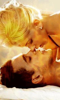 Romantic Kiss Gif, Kiss And Romance, Romantic Love, Romantic Couples, Cute Couples, Perfect Love, Cute Love, Nicki Minaj Body, Good Morning Kiss Images